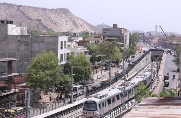 Jaipur Metro at Chandpol - photo: mann_kala_re, used under Creative Commons License (By 2.0)