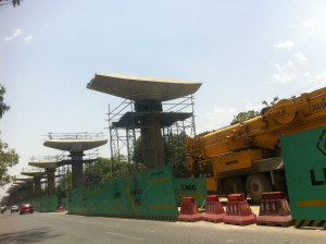 Lucknow Metro - photo: Mehar, used under Creative Commons License (By 2.0)