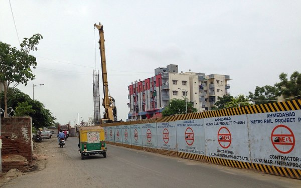 Piling Work in Ahmedabad - photo: Sherlock Holmes, used under Creative Commons License (By 2.0)