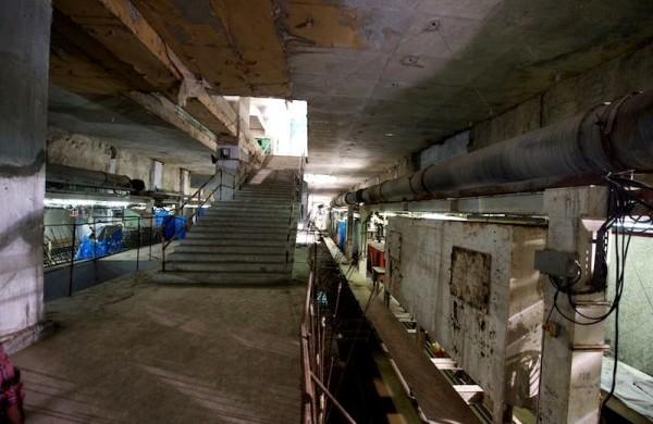 Platform level of Egmore station - Photo Copyright: Jurgen Mick