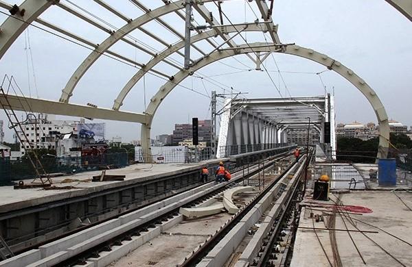 Guindy Metro Station and Steel Truss Bridge - Photo Copyright: Dinakaran