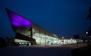 Lucknow's new terminal which opened in 2012 - Photo Copyright: Architecture Live