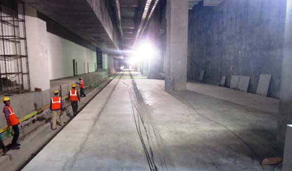 Platform of the Purple line at Majestic station - Photo Copyright: BMRCL