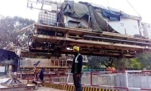 Backup gantry being lowered - Photo Copyright: Harpreet Singh Riar