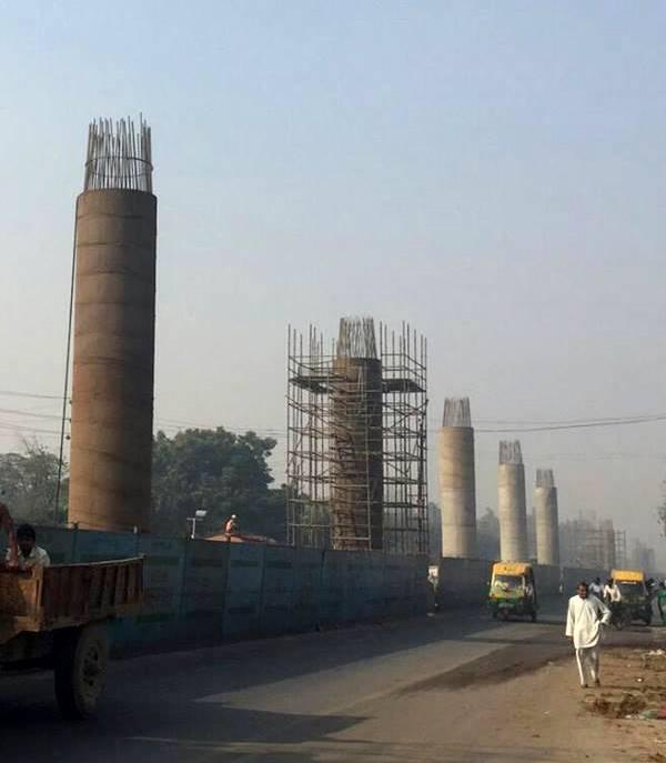 Delhi's Red line u/c on GT Road - Photo Copyright - Vijay Gupta