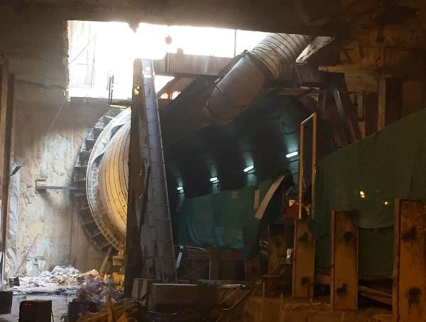Down-line tunnel at Naraina Vihar station