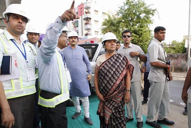 AhmedabadMetro2