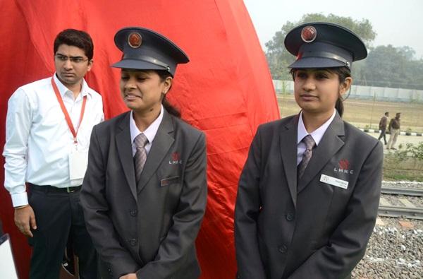 Train operators Prachi & Pratibha - Photo Copyright: UttarPradesh.org