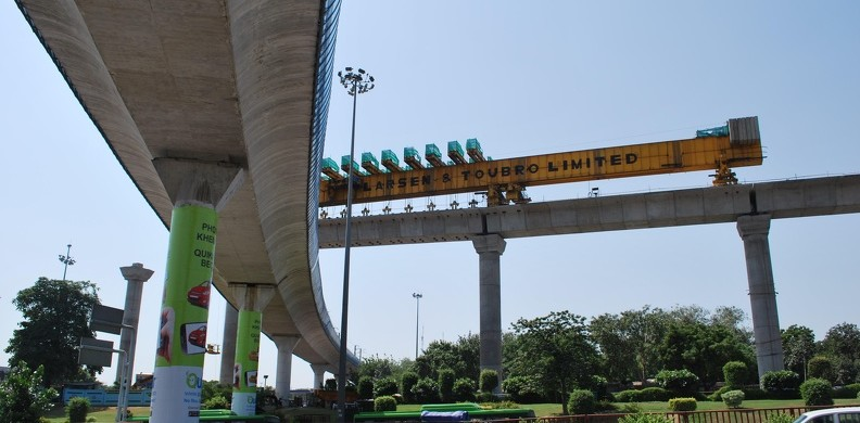 Delhi Metro at Dhaula Kuan - photo: aadisht, used under Creative Commons License (By 2.0)