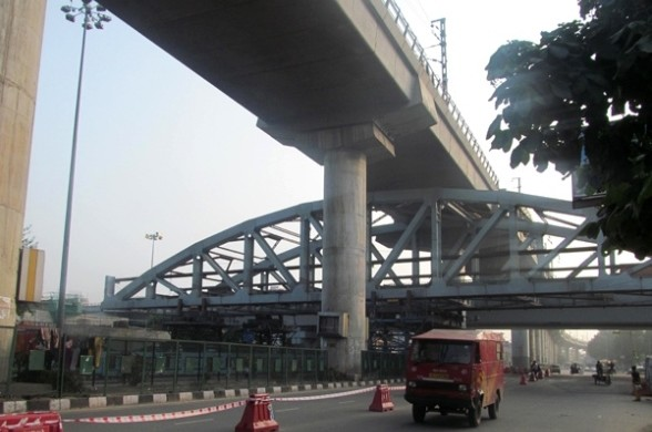Pink Line Steel Bridge at Rajouri Garden - photo copyright: DMRC