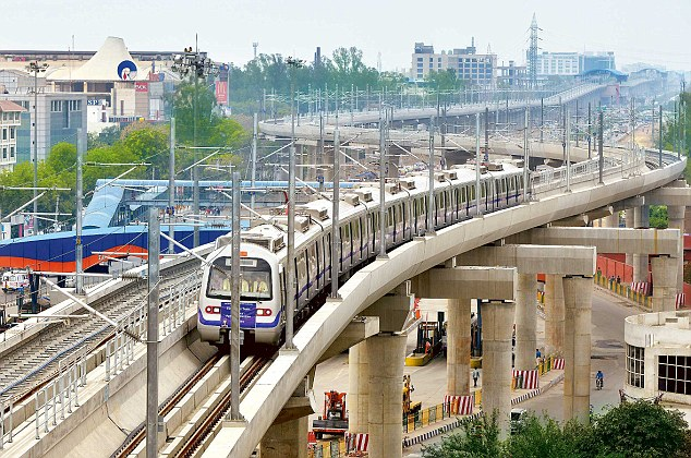 Trial Run on Faridabad Line  - photo: Daily Mail, used under Creative Commons License (By 2.0)