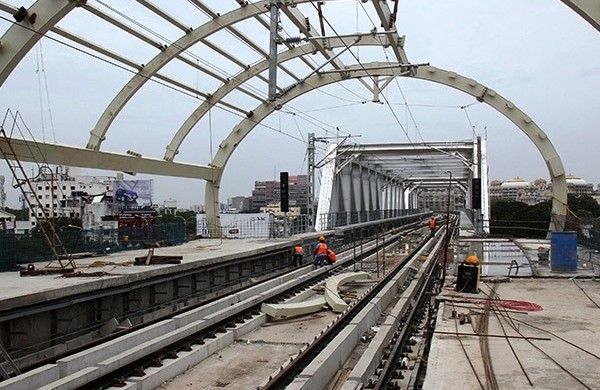 Guindy Metro Station and Steel Truss Bridge - Photo Copyright: Dinakaran
