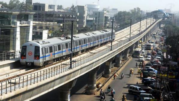 Delhi Metro - photo: Atta Chowk, used under Creative Commons License (By 2.0)