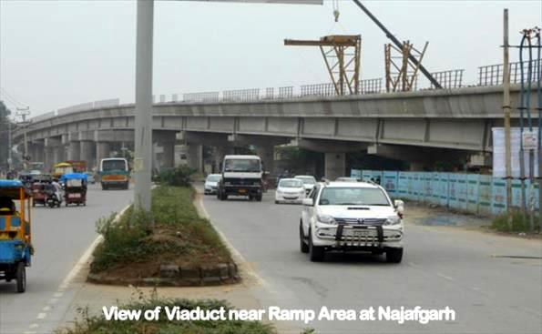 Elevated viaduct east of the ramp leading to the underground section - Photo Copyright: DMRC