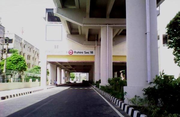 Rohini Sector 18 station -Photo Copyright SamaypurBadli