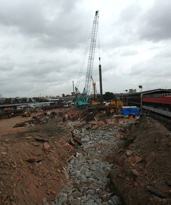 Piling work at Howrah Junction railway station - Photo Copyright: Bappa Mukherjee